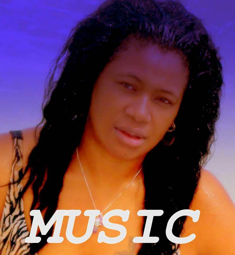 DJ Mona-Lisa 1122